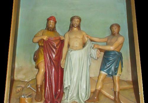 Stacja 10 Pan Jezus z szat obnażony