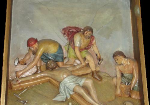 Stacja 11 Pan Jezus przybity do krzyża
