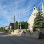 Widok z drogi - dzwonnica